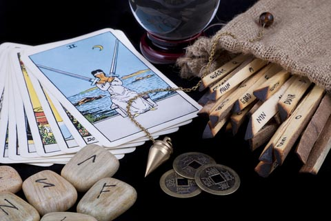 Shainas Tarot - The Most Accurate Tarot Readings in India